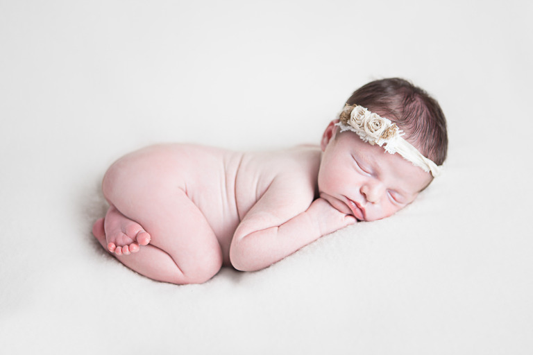 6 day old newborn sleeping bum up on blanket - ellensburg newborn photography