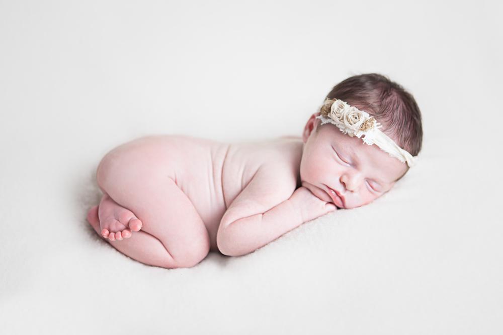 6 day old newborn sleeping bum up on blanket - ellensburg newborn photography