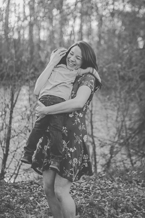 Spring Maternity Session with Alex and Connor by Hailey Haberman Lifestyle Photographer in Ellensburg WA