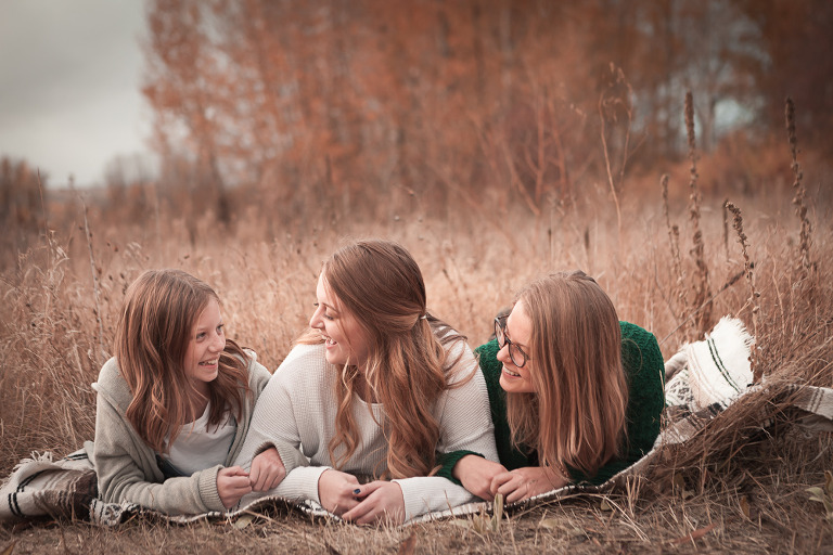 Cozy sweater fall kind of day, Botten Family captured by Ellensburg Lifestyle Photographer Hailey Haberman, serving Kittitas County and surrounding areas