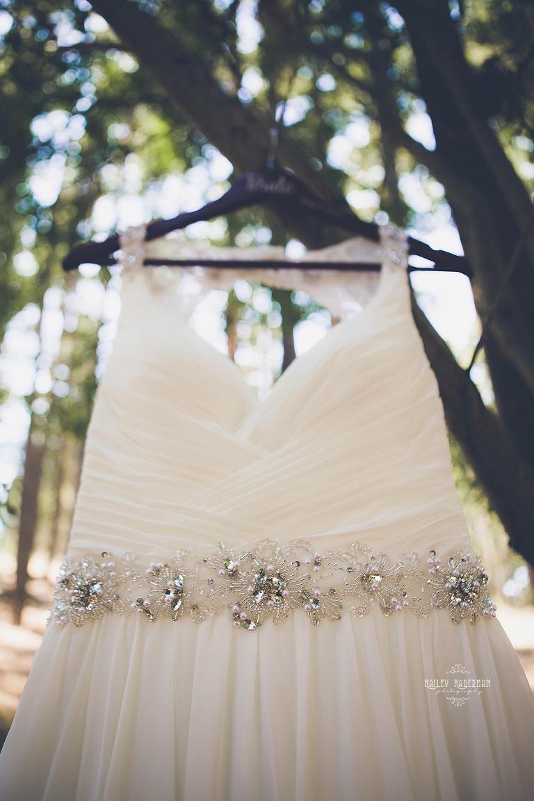 Rustic Woodsy Wedding in Teanaway Valley in Cle Elum WA by Hailey Haberman Ellensburg Wedding Photographer