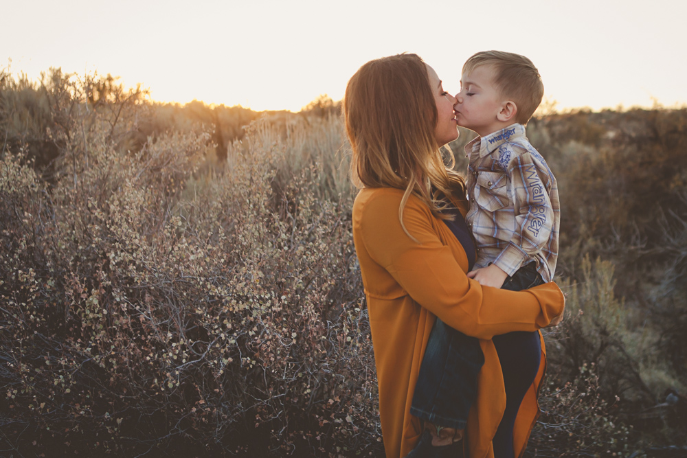 sunet maternity session with mom and son- lifestyle photography by Hailey Haberman in Ellensburg WA