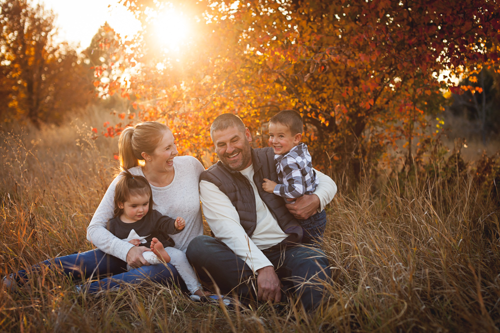 fall family session- lifestyle photography by Hailey Haberman in Ellensburg WA